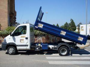 alquilar camion volquete